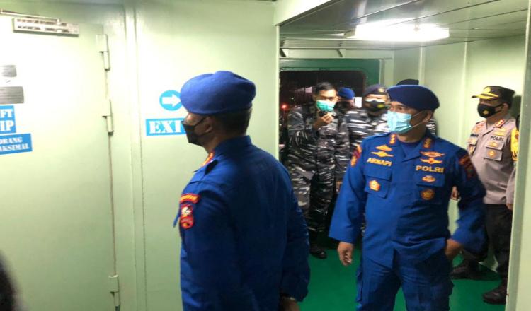 Ditpolairud Polda Jatim Turut Bantu Pencarian Kapal Selam KRI Nanggala-402