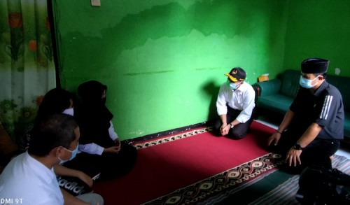 Kunjungi Keluarga ABK KRI Nanggala di Madiun, Menko PMK Berikan Penguatan Kepada Keluarga