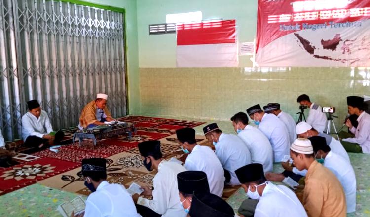 Siswa Ponpes Ash-Shomadiyah Tuban Gelar Doa Bersama Untuk Awak Kapal KRI Nanggala 402