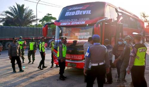 Dishub Tuban Lakukan Penyekatan di Dua Titik Pos Bancar dan Jatirogo