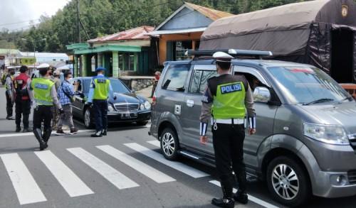 Antisipasi Lonjakan Pemudik, Polres Magetan Dirikan Pos Penyekatan di Cemoro Sewu