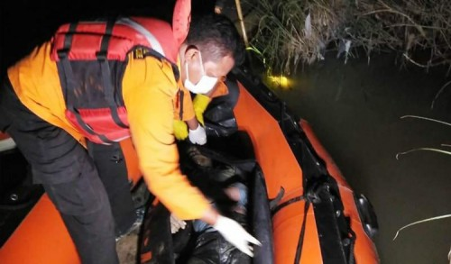 Terjebur di Sungai, Warga Brebes Ditemukan Tewas Tersangkut Akar