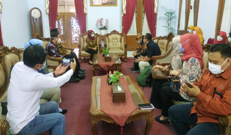 Dapat Kunjungan dari DPR RI, Bupati Blitar Siap Dukung Upaya Memutus Rantai COVID-19