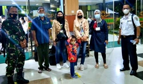 Selesai Karantina di Surabaya, Pemkab Tuban Jemput 6 Pekerja Migran Indonesia
