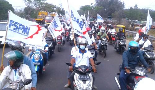 Peringati May Day, Ratusan Buruh di Tuban Gelar Aksi Massa