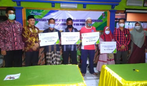 Jadi Desa Percontohan, Desa Socorejo Kembali Terima Penghargaan dari BPJS Naker Tuban
