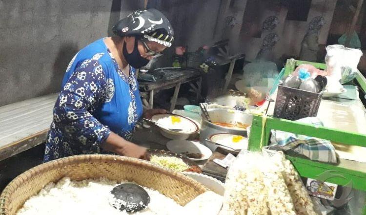 Walapun Pandemi Covid-19, Kuliner Nasi Sodu Situbondo Masih di Kunjungi Pembeli