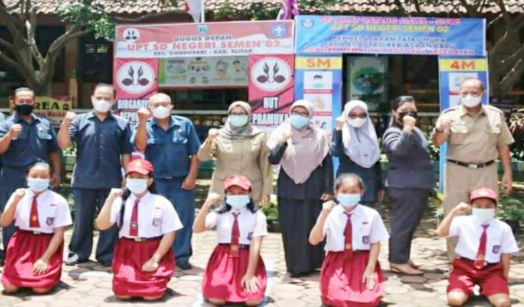 Hari Pendidikan Nasional, Bupati Blitar Rini Ajak Peserta Didik Tetap Semangat Belajar Ditengah Pandemi