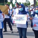 Kesejahteraan Perempuan Dipertaruhkan, Wanita-wanita Ini Ikut Turun Jalan