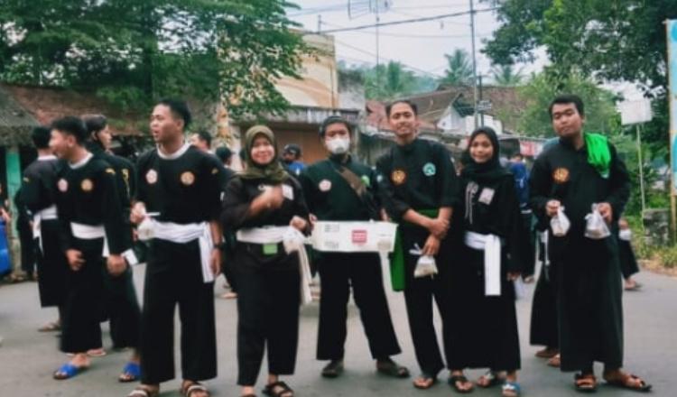Rukun, Tiga Perguruan Silat di Jember Berbagi Takjil Bersama