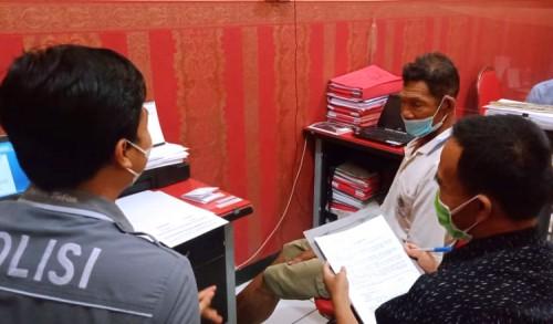 Laporan Kasus Kakek Pencuri Kayu di Grabagan Tuban Dicabut, Somosu Bakal Bebas