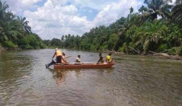 Tim SAR Kota Pekanbaru Temukan Jasad Dua Bocah yang Hilang di Pulau Cinta Kampar
