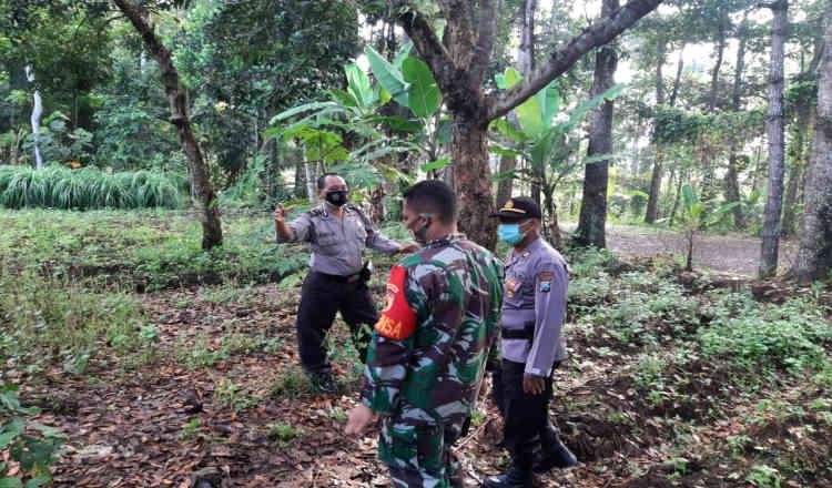 Warga Banyuwangi Ditemukan Tewas Gantung Diri di Pohon