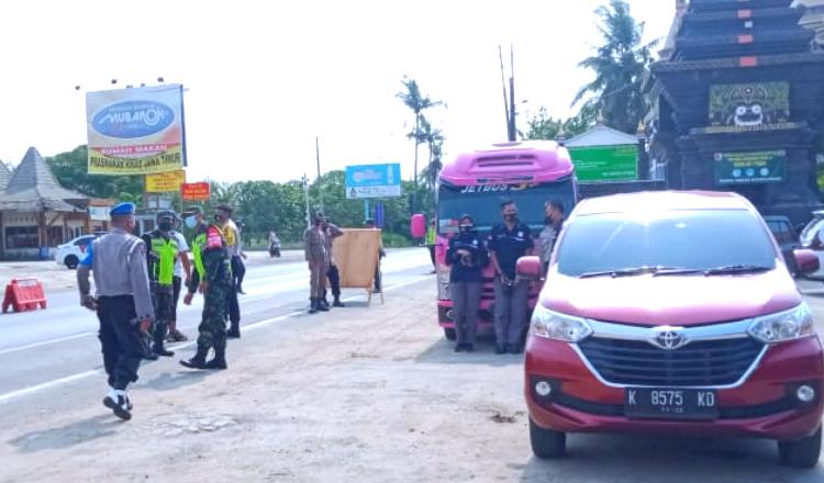 Larangan Mudik Sudah Berlaku, 4 Bus dan 23 Kendaraan di Tuban Dipaksa Putar Balik