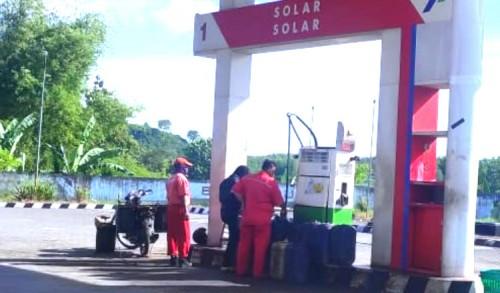 Layani Penjualan BBM Gunakan Drum dan Jurigen, SPBU Nakal di Tuban Akan Disanksi