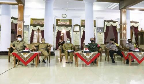 Bupati Rini Putuskan Pelaksanaan Salat Idul Fitri Tetap Digelar di Kabupaten Blitar