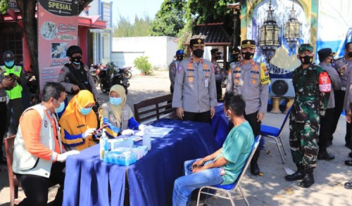 Larangan Mudik, Dirregident Korlantas Polri Pantau Pos Penyekatan Perbatasan Jateng-Jatim