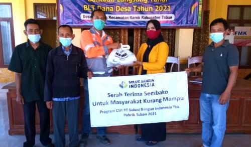 Peduli Masyarakat, PT. SBI Tuban, Bagi Sembako 3250 di 16 Desa