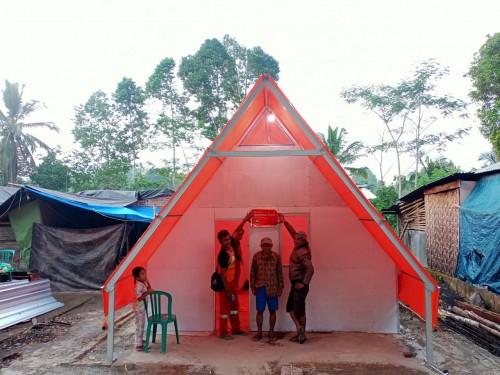GUSDURian Peduli Bangun Huntara Unik Untuk Korban Gempa