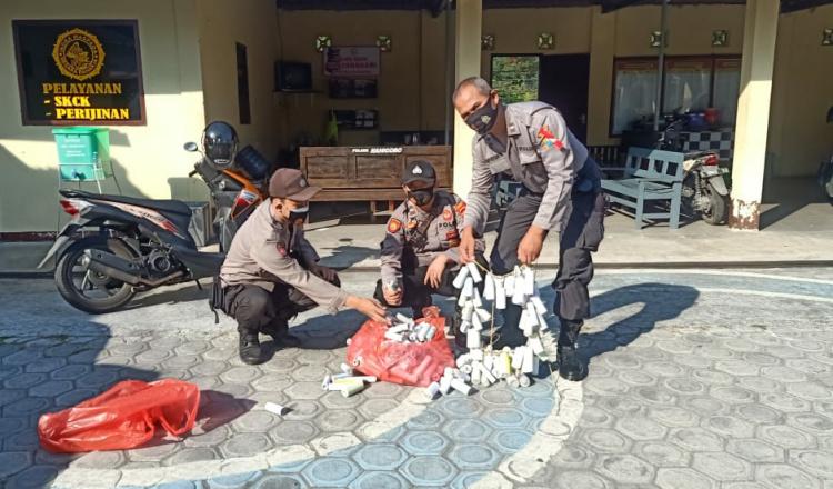 Operasi Hari Pertama Lebaran, Polres Blitar Berhasil Amankan 15 Pemuda dan 798 Biji Petasan