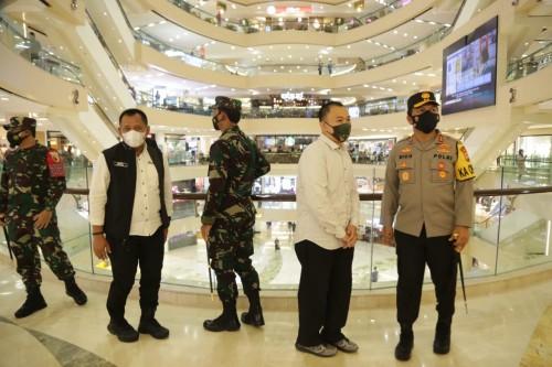 Hari Pertama Idul Fitri, Forkopimda Jatim Cek Prokes di Pusat Perbelanjaan