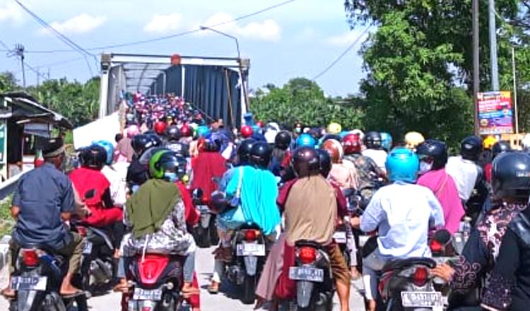 Tak Kunjung Diperbaiki, Jembatan Glendeng Akses Tuban-Bojonegoro Lumpuh