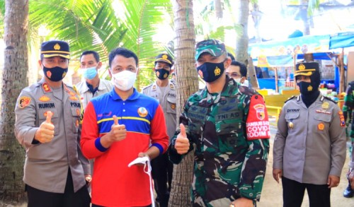 Lebaran Ketiga, Petugas Gabungan Pantau Sejumlah Obyek Wisata di Tuban