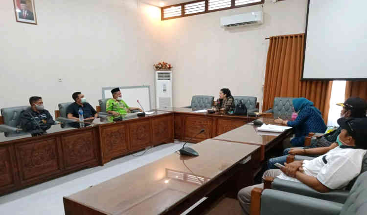 Terkait Persoalan Pilkades Antar Waktu, DPRD Banyuwangi Minta Warga Ajukan Hearing