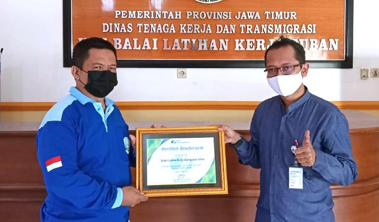 BPJS Ketenagakerjaan Beri Penghargaan ke UPT BLK Tuban