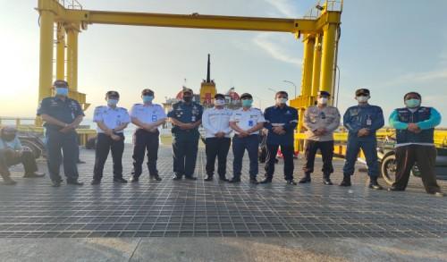 Kasubdit KALDN Kemenhub RI dan Kepala KSOP Panarukan Pantau Kedatangan Santri di Situbondo