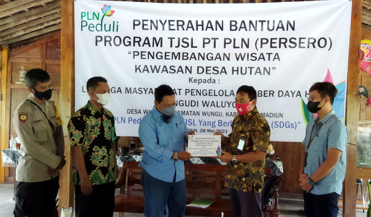 Program Peduli PLN UPT Madiun Salurkan Bantuan Kepada LMPSDH