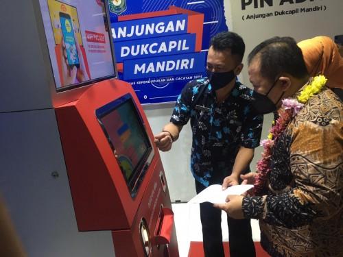 Jember Kini Punya ADM, Bikin Adminduk Semudah Ambil Uang di ATM