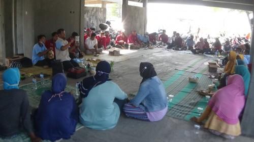 Ciptakan Keluarga Mandiri, Forum PKH Purworejo Latih KPM PKH Ubah Sampah Plastik Jadi Media Hidroponik
