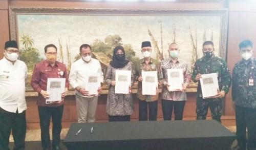 Bertemu di Surabaya, Bupati Bondowoso dan Banyuwangi Sepakati Batas Wilayah Masing-masing