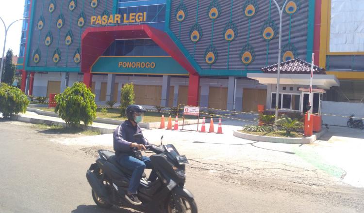 Boyongan Pedagang Pasar Legi Ponorogo Ditunda