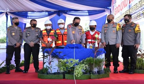Kapolda Kalsel Resmikan 701 Unit Rumah untuk Anggotanya
