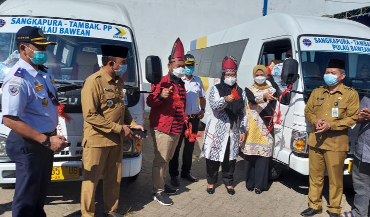 Bupati Gresik Launching Angkutan Umum Perintis di Pulau Bawean