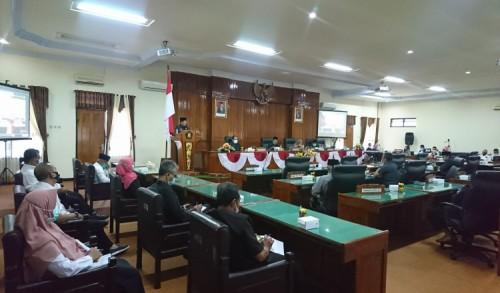 Gelar Paripurna, Enam Fraksi di DPRD Trenggalek Sampaikan Pandangan Umum Atas LKPJ Bupati