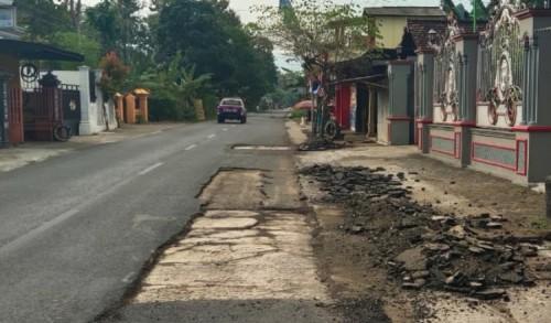 Joko Widodo: Kerusakan Jalan Ngampon-Bendo Trenggalek Karena Faktor Alam