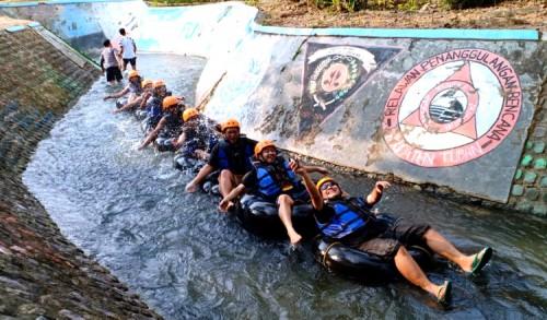 Wahana Mengarungi Sungai di Tuban, Jadi Alternatif Liburan Kenangan Masa Kecil