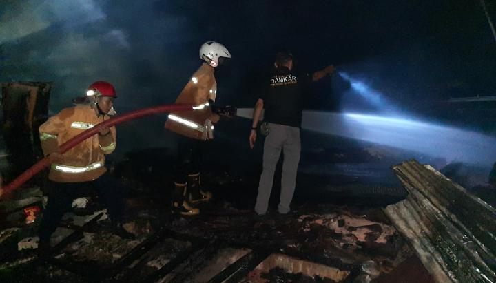 Diduga Konsleting Listrik, Rumah Warga di Purworejo Ludes Terbakar