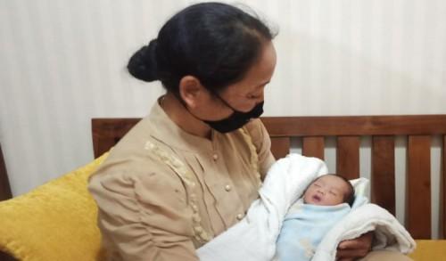 Warga Ponorogo Temukan Bayi Didalam Kardus