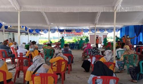 Masyarakat Ngawi Mulai Terima Vaksin, Desa Jatigembol Prioritaskan Lansia