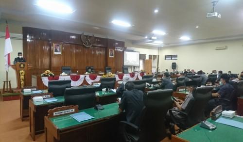 Wabup Syah Sampaikan Jawaban Atas Pandangan Umum Fraksi DPRD Trenggalek