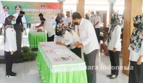 100 Hari Kerja, Bupati Blitar Rini Berhasil Terapkan Salam Sak Jangkah di 105 Desa/Kelurahan