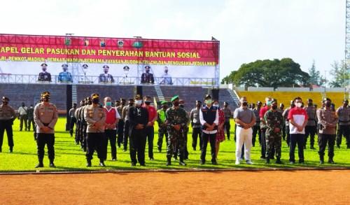 Bagikan Puluhan Ton Beras dan Masker, Yayasan Buddha Tzu Chi Gandeng TNI-Polri