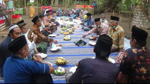 Selamatan Pasar, Pedagang Pasar Umpet Purworejo Gelar Doa Bersama