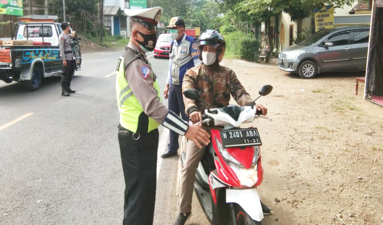 PPKM Darurat, Polisi di Blitar Putarbalikan 80 Kendaraan