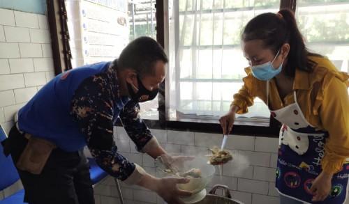 Gule dan Sate Kepala Ikan Manyung Rumah Makan Orental Purnama di Buru Penikmat Kuliner