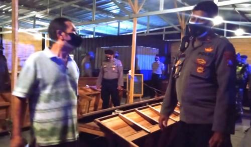 PPKM Darurat, Sejumlah Warkop di Tuban Ditertibkan Petugas